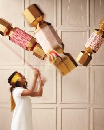 grote christmas crackers om te maken en mee te spelen via martha stewart