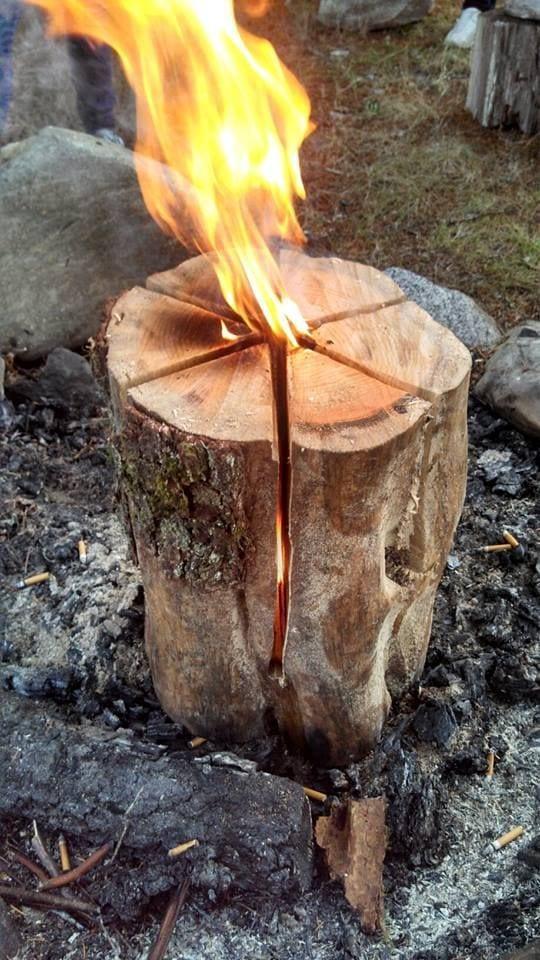 Zweedse fakkel  Binnen enkele minuten een sfeervol vuur