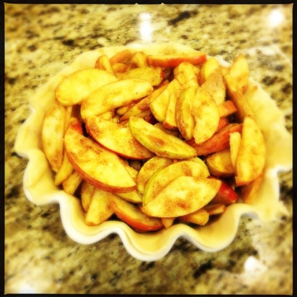Sliced apples in pie