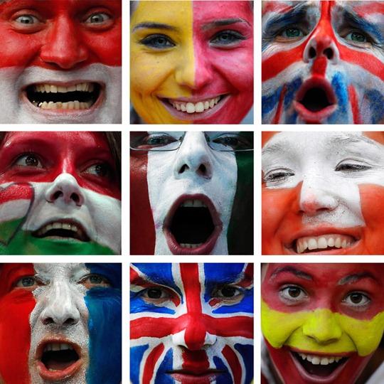 Un cuadro combinado muestra las caras pintadas de los aficionados de diferentes países durante los Juegos Olímpicos de Londres 2012.