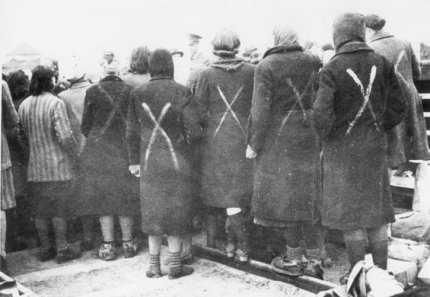 Female_prisoners_in_Ravensbrück_chalk_marks_show_selection_for_transport