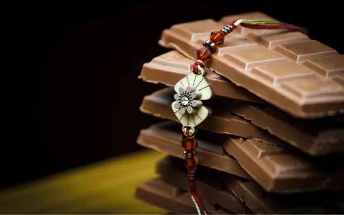 rakhi-with-chocolates