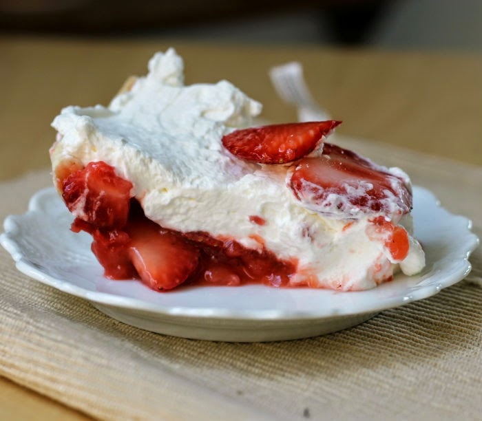 Strawberry Icebox Pie - Words of Deliciousness