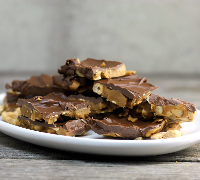 Easy Chocolate Topped Cashew Toffee