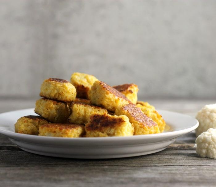Baked Cheddar Cauliflower Tots