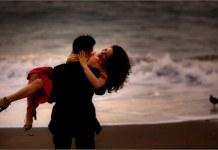 husband-wife-on-beach