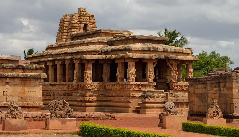 durga-temple-aihole-durga_temple