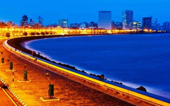 Stay overnight at Marina Drive in Mumbai