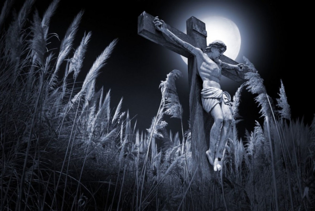 Crucifix full moon night wallpaper