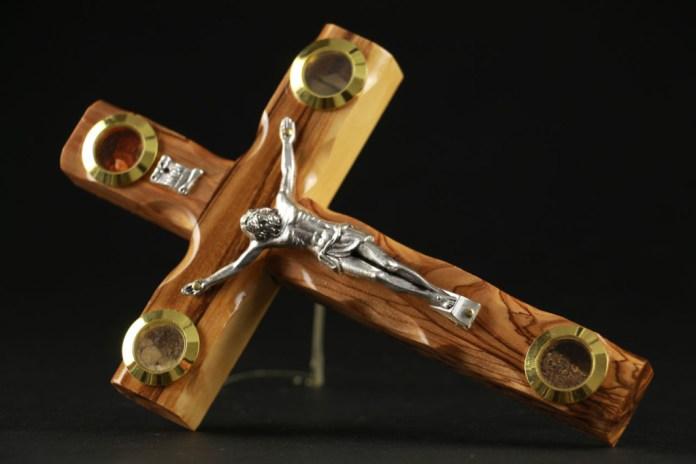 Crucifix stand