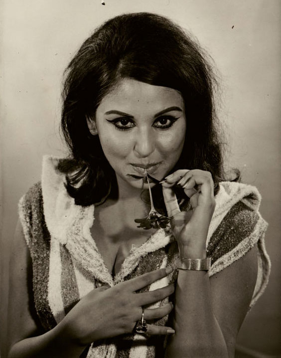 33. Rare Pic of Hindi Movie Actress Anju Mahendru – 1967.