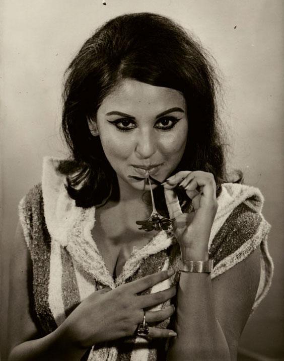 33. Rare Pic of Hindi Movie Actress Anju Mahendru – 1967.