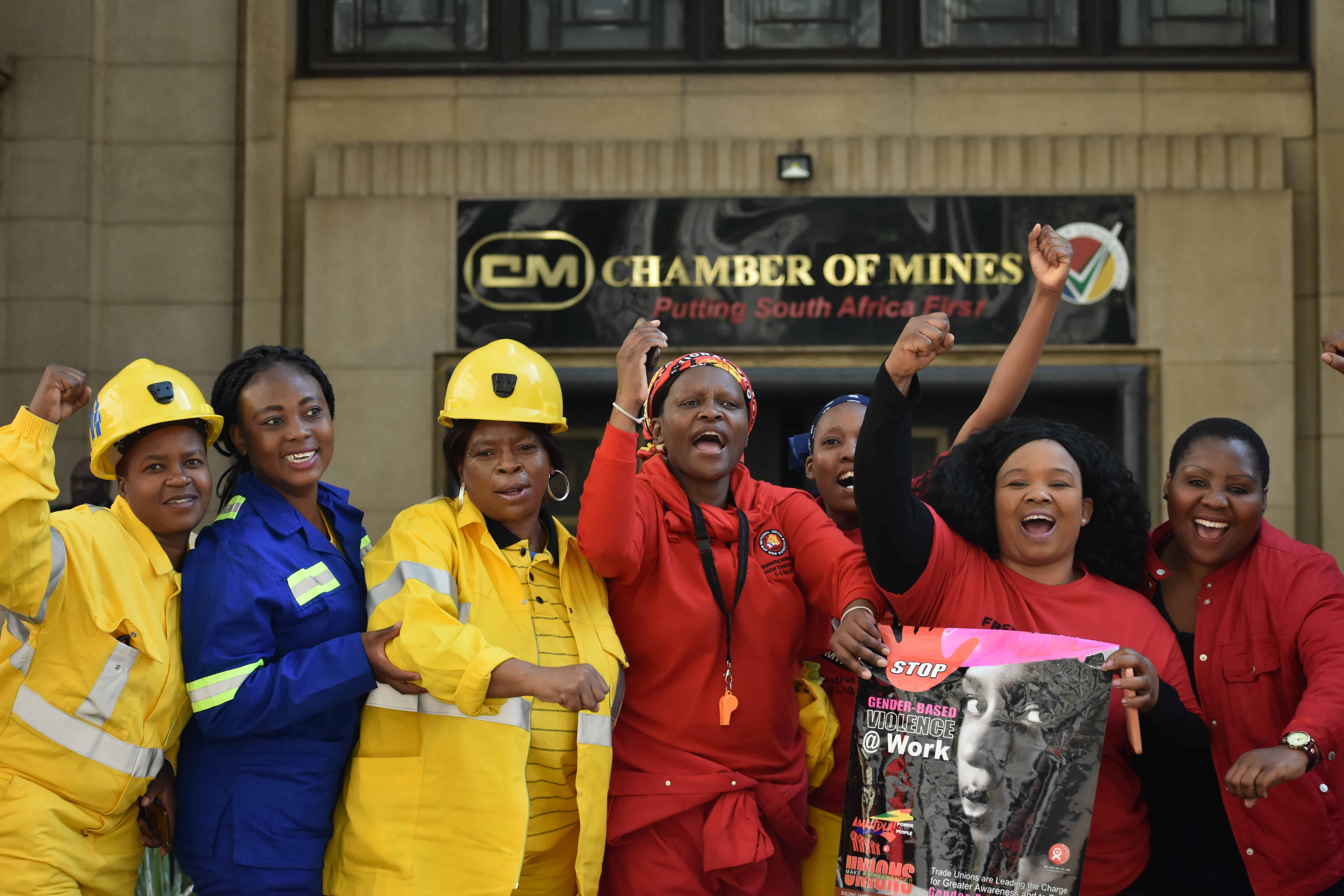 South Africa: Coalminers give notice to strike