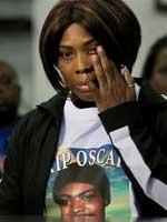 Wanda Johnson,<br>mother of<br>Oscar Grant.
