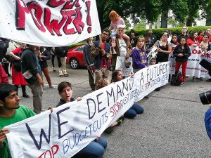 Student street blockade led by N.C. Student Power Union.Photo: NC Student Power Union
