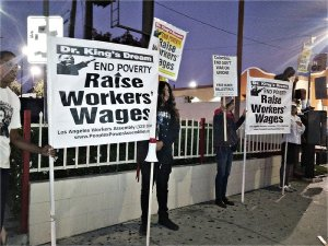 Los Angeles: KFC worker chants '$15 yeah!'WW photo: Scott Scheffer