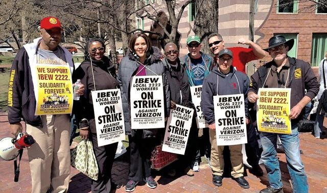 Team Solidarity school bus drivers with striking Verizon workers in Boston.WW photo: Steve Kirschbaum
