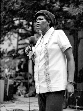 Thornton singing in New York City, 1971.Photo: Jan van Raay