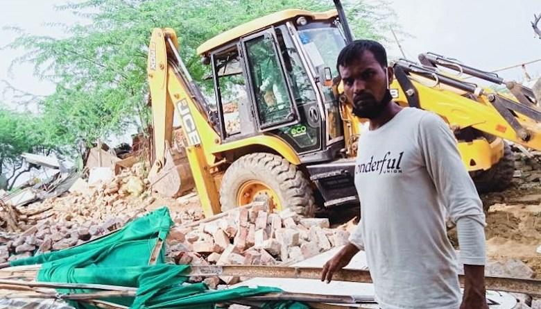 Photo of खट्टर सरकार ने गुड़गांव की 600 झुग्गियों पर बुलडोज़र चलवाया, 2000 झुग्गियां तोड़ने की योजना