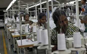 https://www.workersunity.com/wp-content/uploads/2021/05/Bengluru-garment-workers.jpg