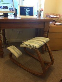 The benefits of a kneeling chair -Work from Home Wisdom