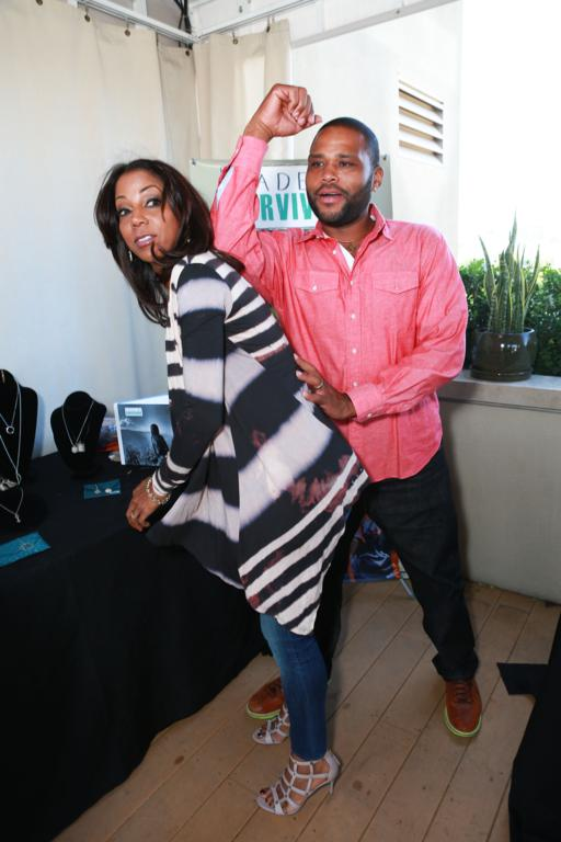 Holly Robinson Peete Anthony Anderson