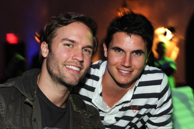 capcom-lost-planet-2-launch-party-scott-porter-robbie-amell