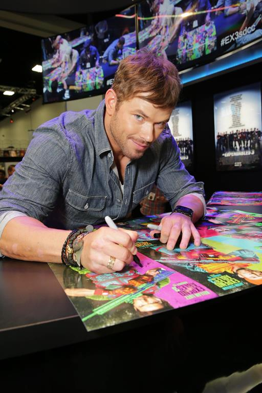 expendables-3-2014-comic-con-signing (9)