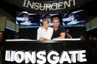 insurgent-2015-comic-con-signing (2)