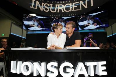 insurgent-2015-comic-con-signing (4)
