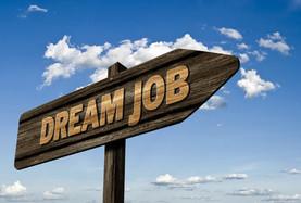 Dream job sign post via pixabay