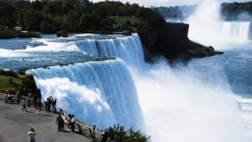 Niagara water fall in every second