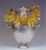 Hydria and wreath, copyright Vergina Museum