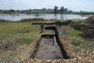 Naukratis-riverfront-Trench-8-Edwin-DeVries