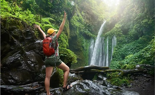 In applied in its true form, ecotourism is beneficial to both tourists and the ecosystem they are visiting.