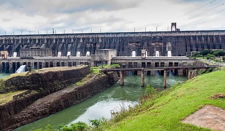 #3 Itaipu Dam - Paraguay/Brazil , 7 wonders of the modern world, 7 modern world wonders