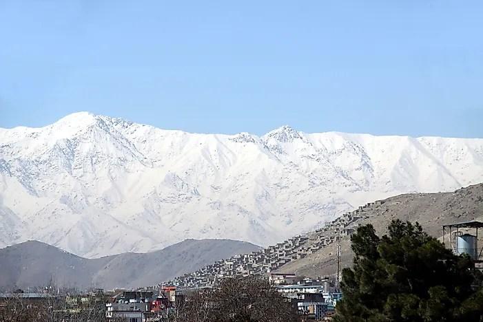 Apesar de sua beleza natural, o turismo não é uma opção viável no Afeganistão devido a décadas de instabilidade.