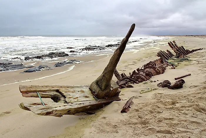 African Animal Wallpaper Border The Treacherous Skeleton Coast Of Namibia Worldatlas Com