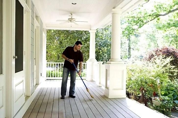 Agora é uma boa hora para limpar extensivamente sua casa.  Crédito da imagem: Pixnio.com