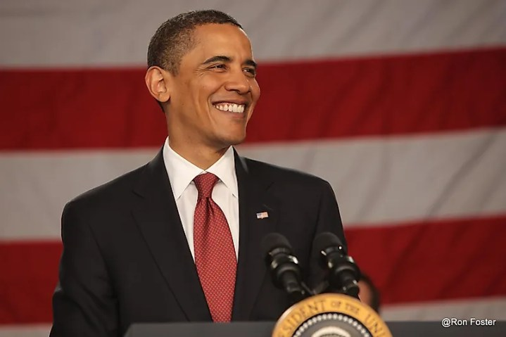 No ano de 2009, Barrack Obama foi eleito sobre John McCain e se tornou o primeiro presidente afro-americano.  Crédito da imagem: Ron Foster Sharif / Shutterstock.com