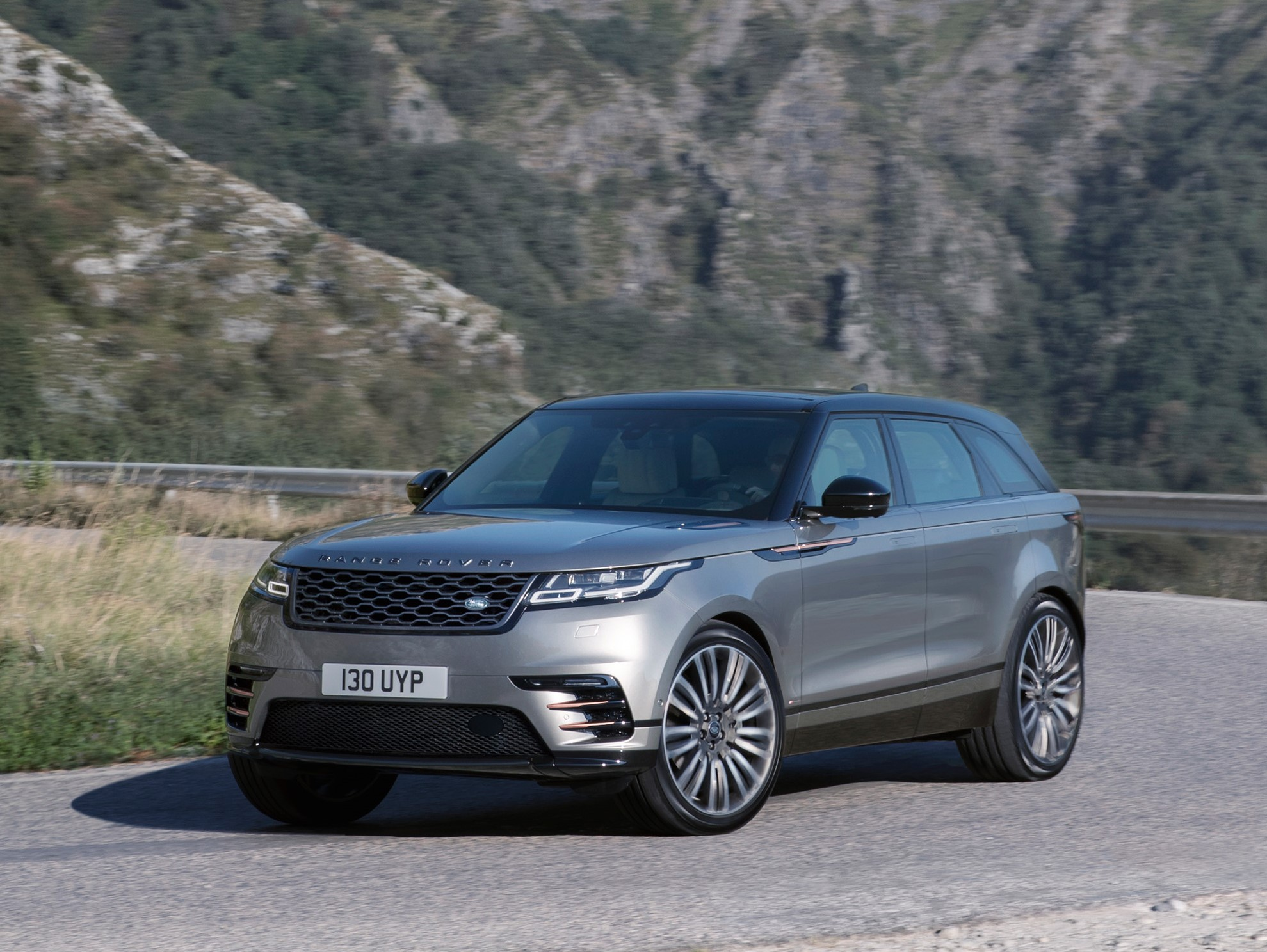 2018 Range Rover Velar review Macan X4 GLC and F Pace watch out