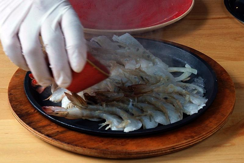 world baijiu day 2018 sumiao kitchen baijiu sizzling shrimp 3