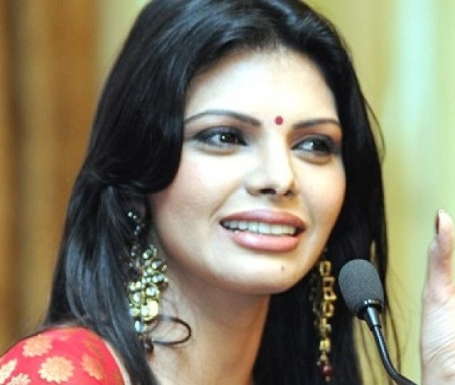 Sherlyn Chopra Is A Bollywood Actress And Model That Also Got Famous After Her Mms Video Leak In The Video She Is Clearly Stripping In Forward Facing Of