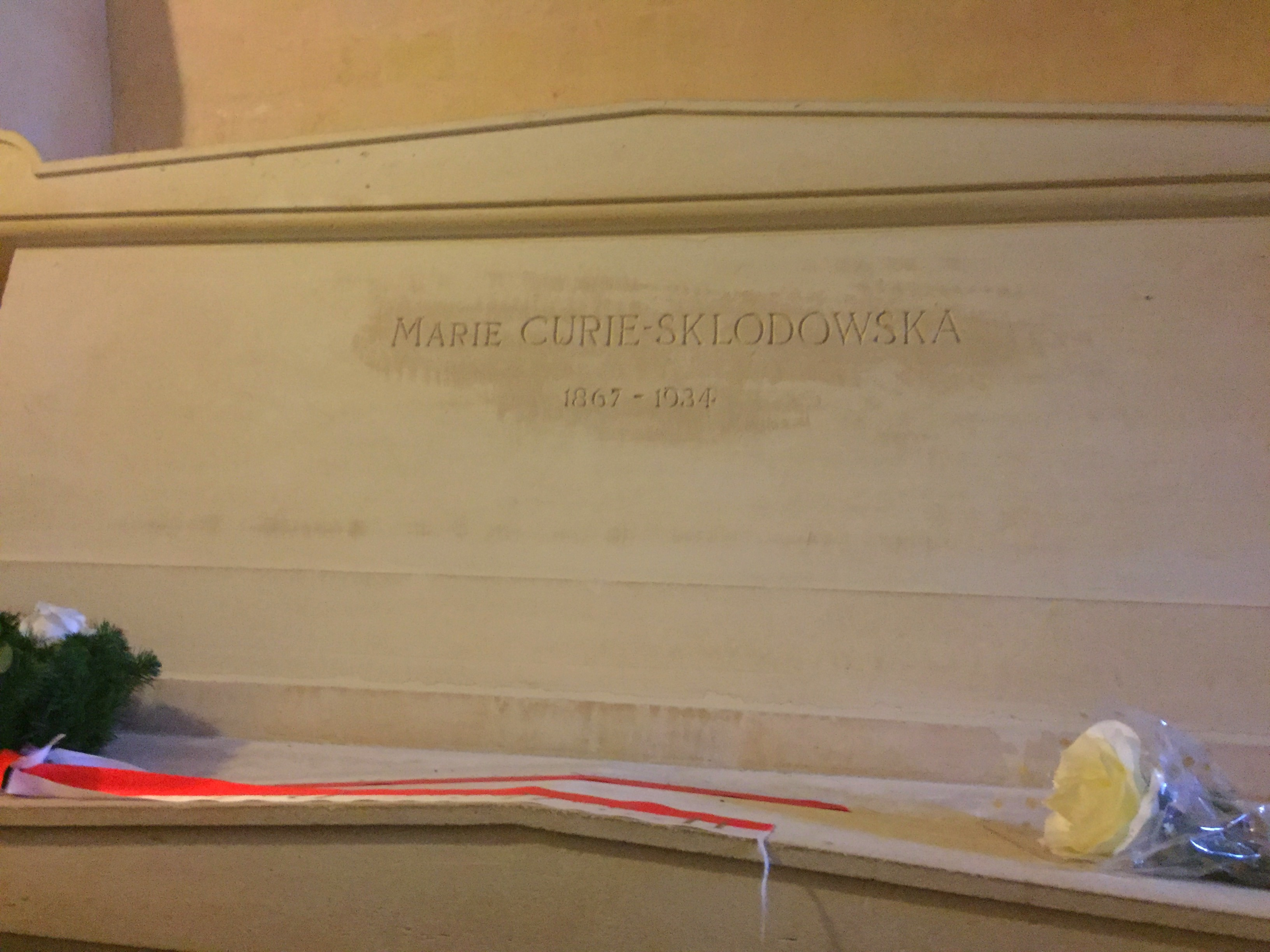 grave of Marie Sklodowska-Curie