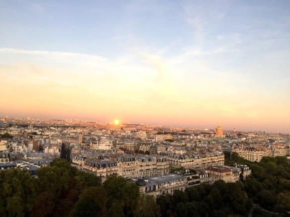 Zachód słońca z Wieży Eiffla