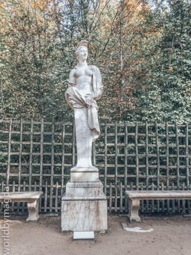 Posągi w Ogrodach Wersalskich