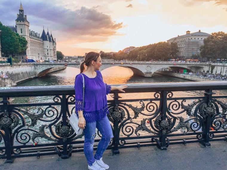 Zachód słońca w Paryżu