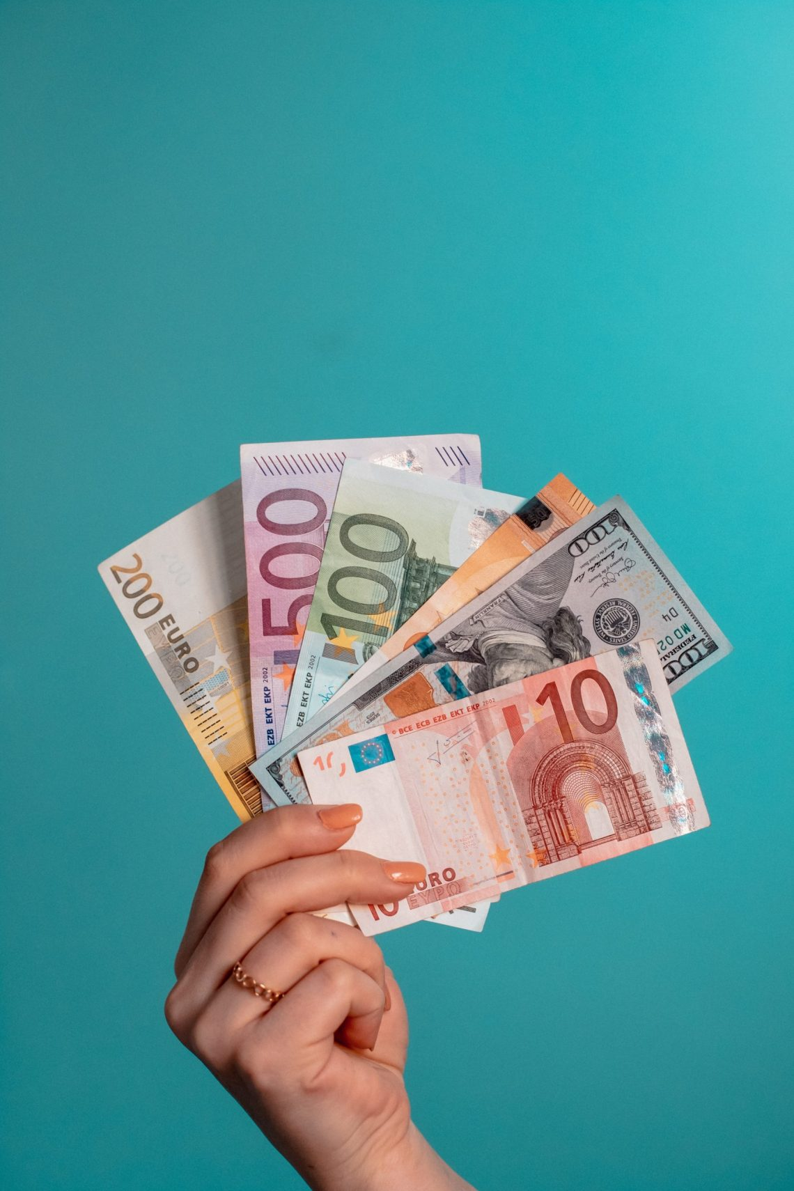 Jak założyć konto bankowe we Francji?