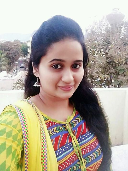 House Wife Whatsapp Number for Friendship - World Girls Portal