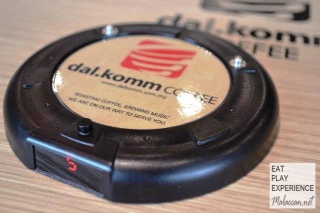 dal-komm-coffee-cyberjaya-1
